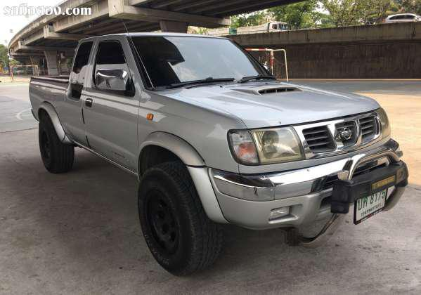 NISSAN FRONTIER ปี 2001