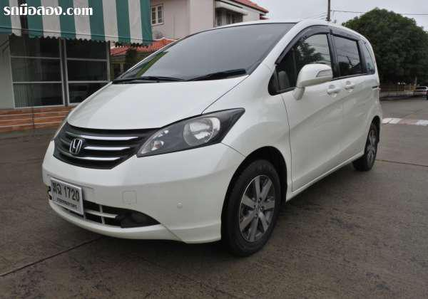 HONDA FREED ปี 2011