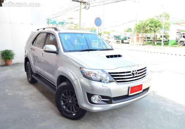 TOYOTA FORTUNER ปี 2015