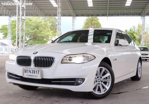 บีบีเอ็มดับบลิว ซีรี่ย์ 5 รุ่น 520 ดี มือสอง | BMW 5 SERIES 520D 2014 กรุงเทพมหานคร บางแค 9กจ3917 BMW 5 SERIES 520D ปี 2014 เกียร์เกียร์อัตโนมัติ สีขาว 2000CC. 999000